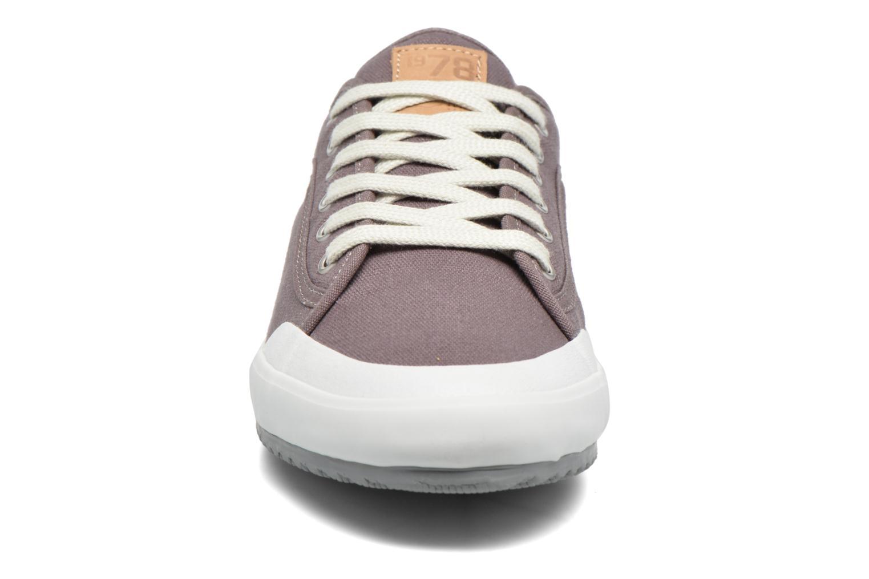 Baskets TBS Elouan Gris vue portées chaussures