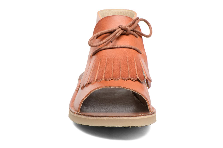 Sandales et nu-pieds Young Soles Agnes Marron vue portées chaussures
