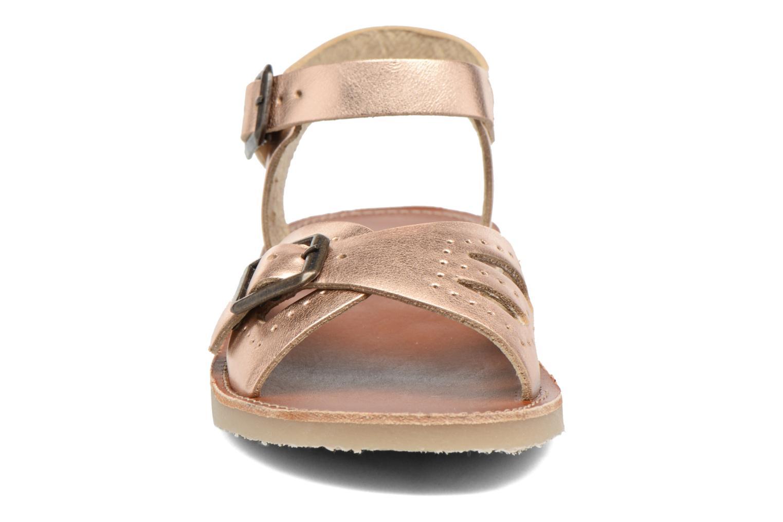 Sandales et nu-pieds Young Soles Pearl Rose vue portées chaussures