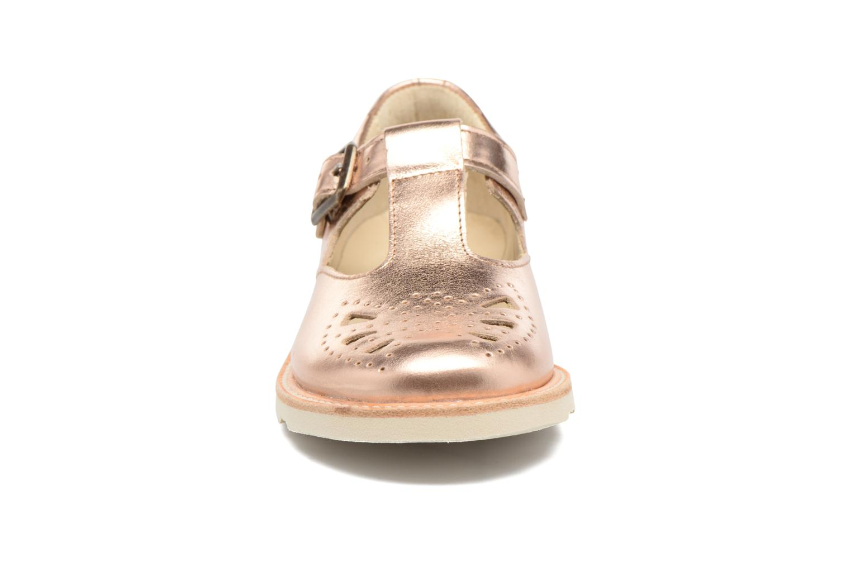 Sandales et nu-pieds Young Soles Rosie Rose vue portées chaussures
