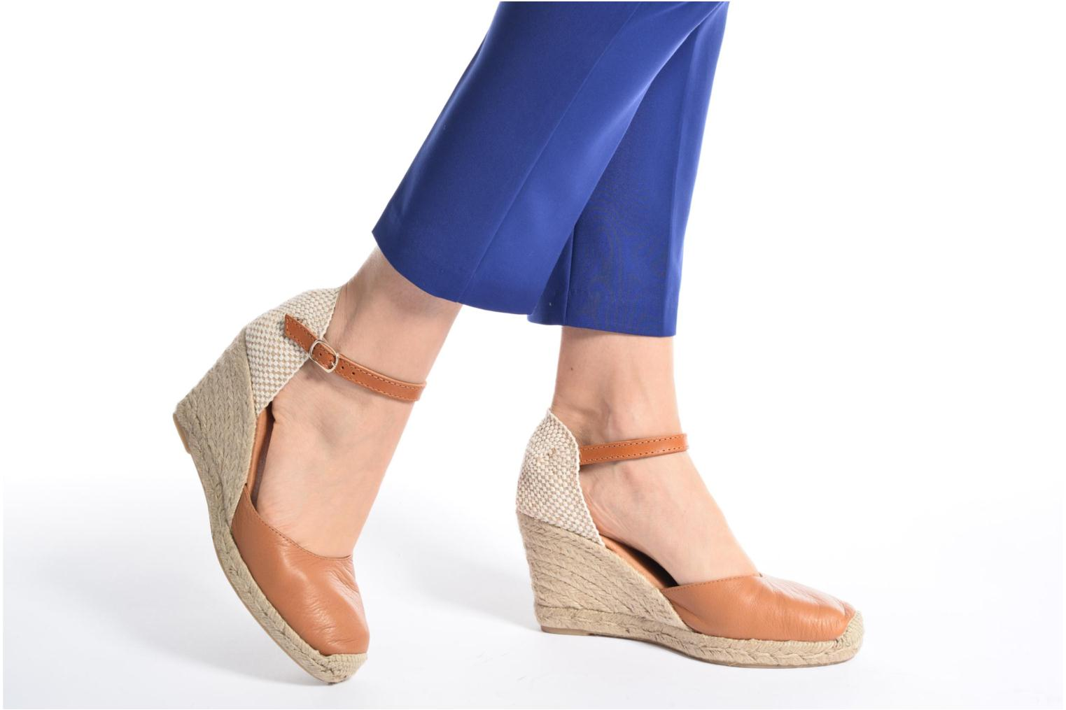 Espadrilles Maypol Nantes Beige view from underneath / model view