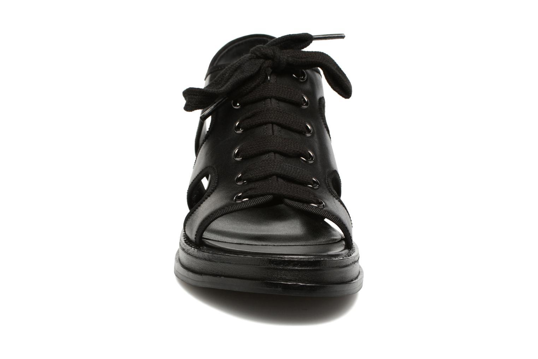 Sandales et nu-pieds Opening Ceremony Idha Wedge Noir vue portées chaussures