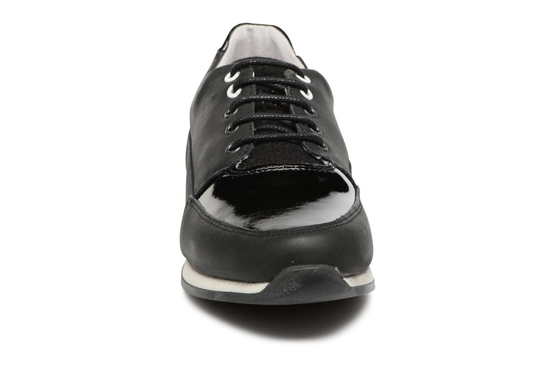 Baskets TBS Garance Noir vue portées chaussures