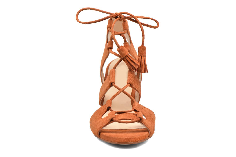 Sandales et nu-pieds Anaki Carilo Marron vue portées chaussures