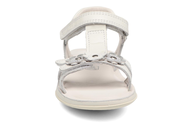 Sandali e scarpe aperte Clarks Sea Sally Bianco modello indossato