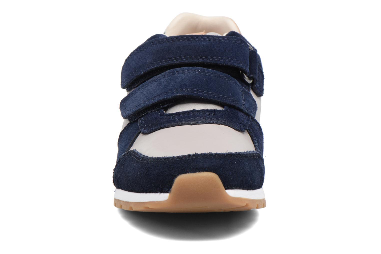 Baskets Clarks Zest Tex Multicolore vue portées chaussures