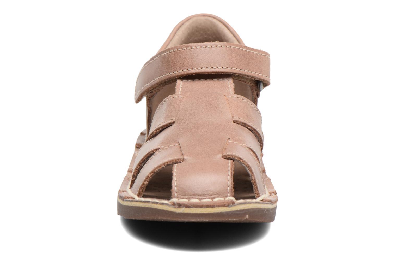 Sandales et nu-pieds Kickers Willoh Marron vue portées chaussures