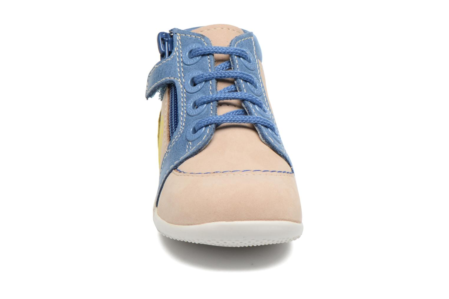 Baskets Kickers Bamby Beige vue portées chaussures