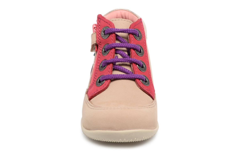 Zapatos con cordones Kickers Biflorid Beige vista del modelo