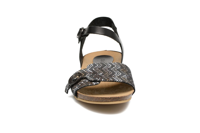 Sandales et nu-pieds Kickers Bomboms Noir vue portées chaussures