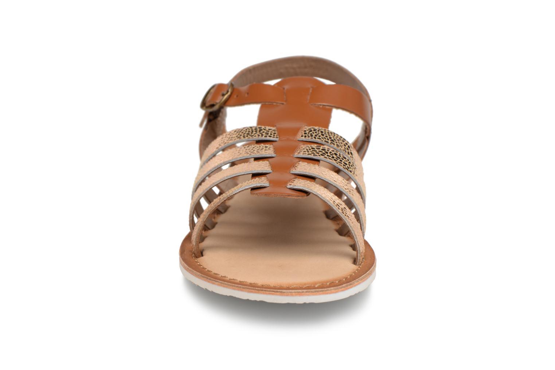 Sandales et nu-pieds Kickers Sparta Marron vue portées chaussures
