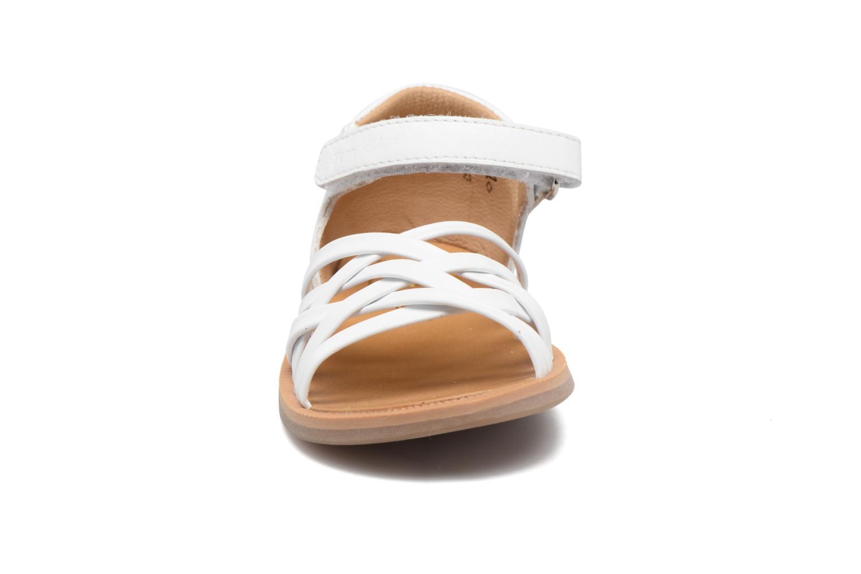 Sandales et nu-pieds Pom d Api Poppy Lux Blanc vue portées chaussures