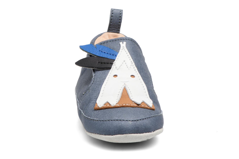 Chaussons Shoo Pom Chou Tipi Bleu vue portées chaussures