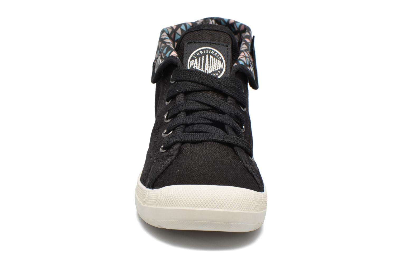 Trainers Palladium Aventure F Black model view
