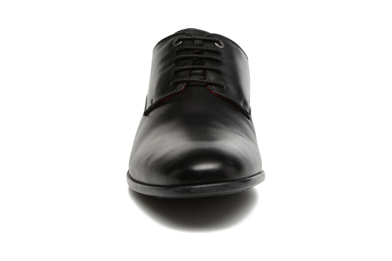 Chaussures à lacets Kickers Praduks Noir vue portées chaussures