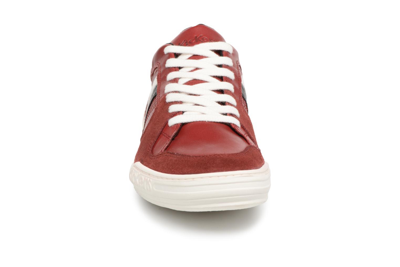 Sneakers Kickers Jexprime Rosso modello indossato