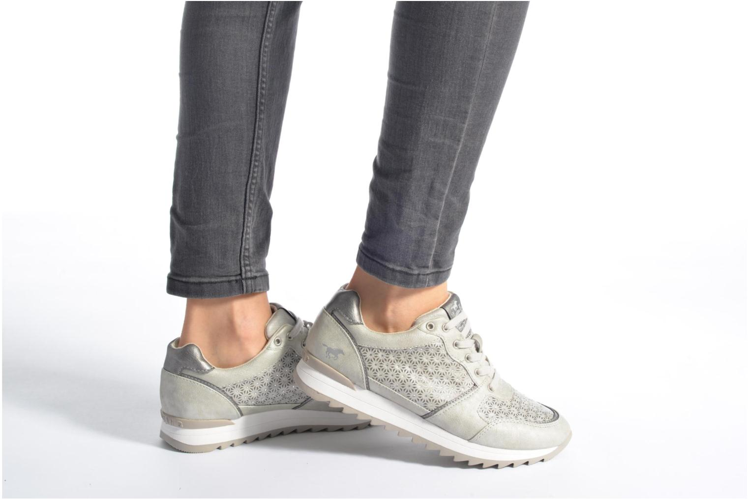 Trainers Mustang shoes Cacilia Silver view from underneath / model view