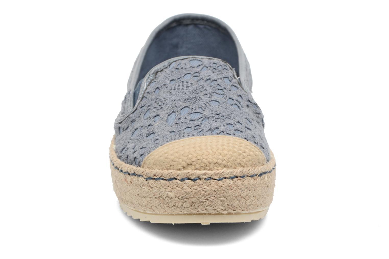 Scarpe di corda Mustang shoes Liese Azzurro modello indossato