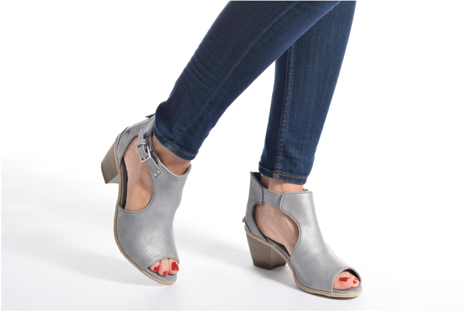 Ankle boots Mustang shoes Theda Grey view from underneath / model view