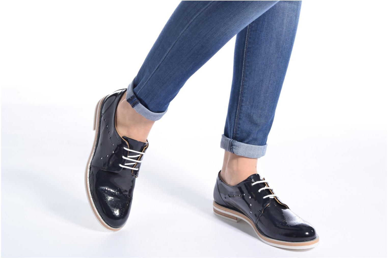 Chaussures à lacets Georgia Rose Maglit Beige vue bas / vue portée sac