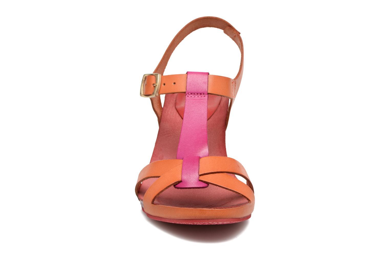 Sandales et nu-pieds Kickers Pietra Rose vue portées chaussures