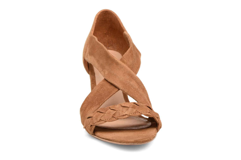 Sandals COSMOPARIS Vika/Tre Brown model view