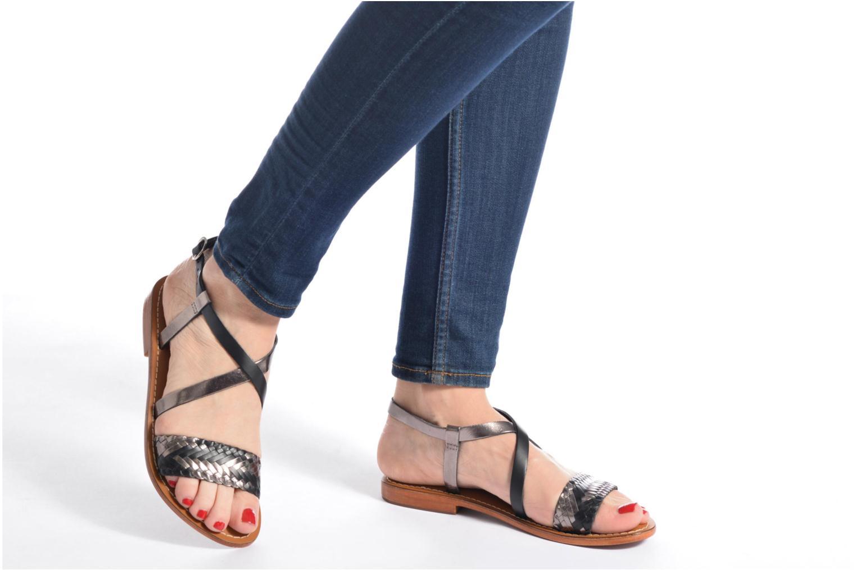 Sandales et nu-pieds L'Atelier Tropézien Suzanne Noir vue bas / vue portée sac
