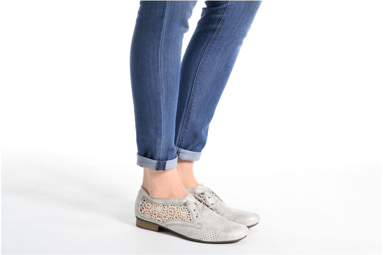 Chaussures à lacets Rieker Ruben 51928 Blanc vue bas / vue portée sac