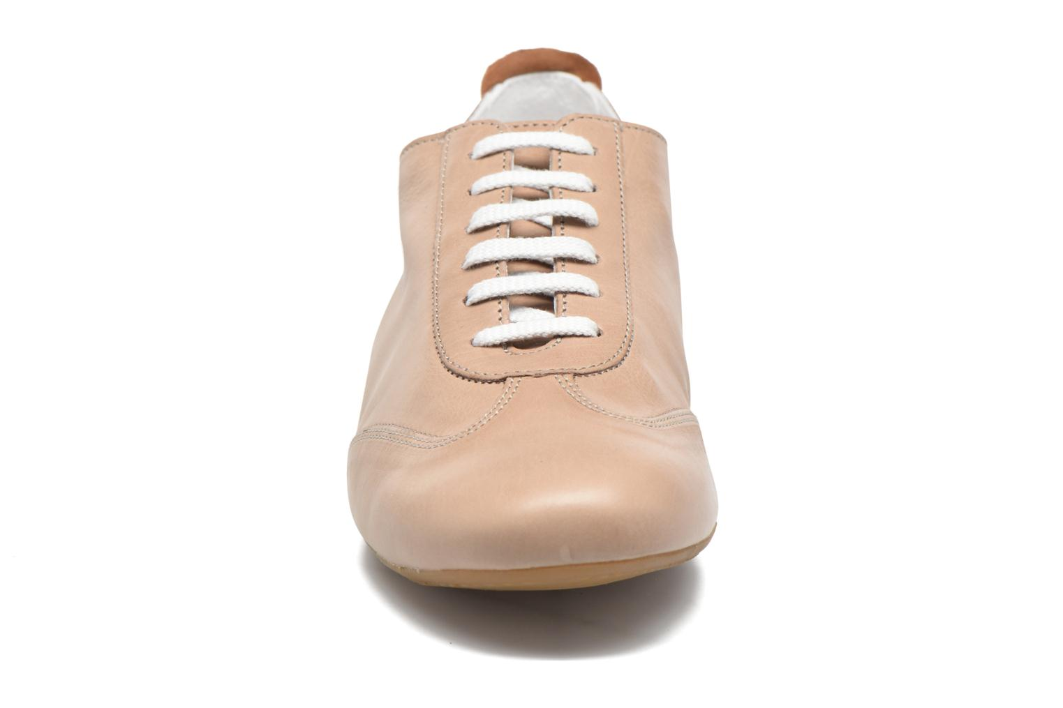 Chaussures à lacets Mephisto Becky Beige vue portées chaussures