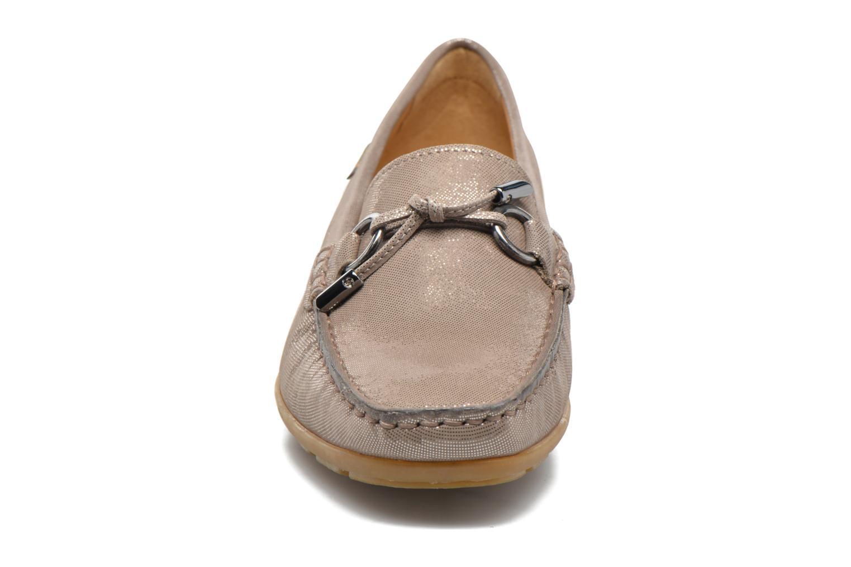 Mocassins Mephisto Naomi Beige vue portées chaussures
