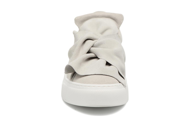 Baskets Bronx Byardenx Gris vue portées chaussures