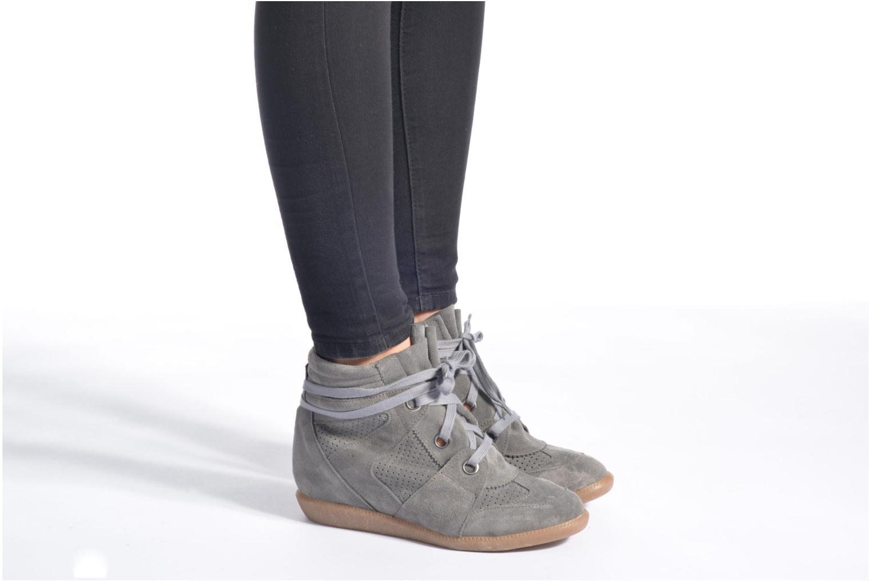 Sneaker Bronx Braffx grau ansicht von unten / tasche getragen