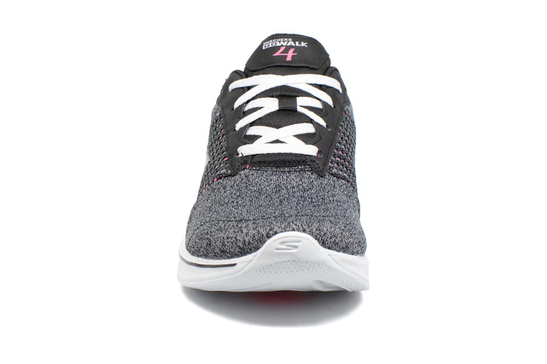 Sneakers Skechers GO Walk 4 Exceed Sort se skoene på