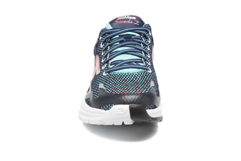 Chaussures de sport Skechers GO Meb Strada 2 Bleu vue portées chaussures