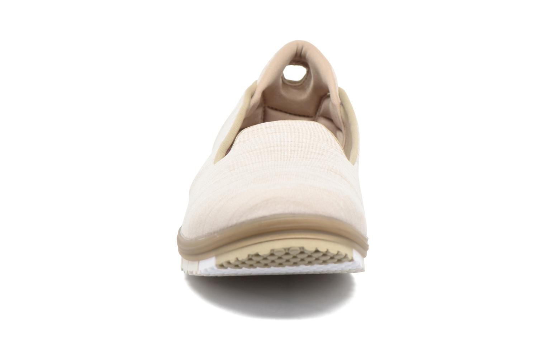Baskets Skechers Go Mini Flex Beige vue portées chaussures