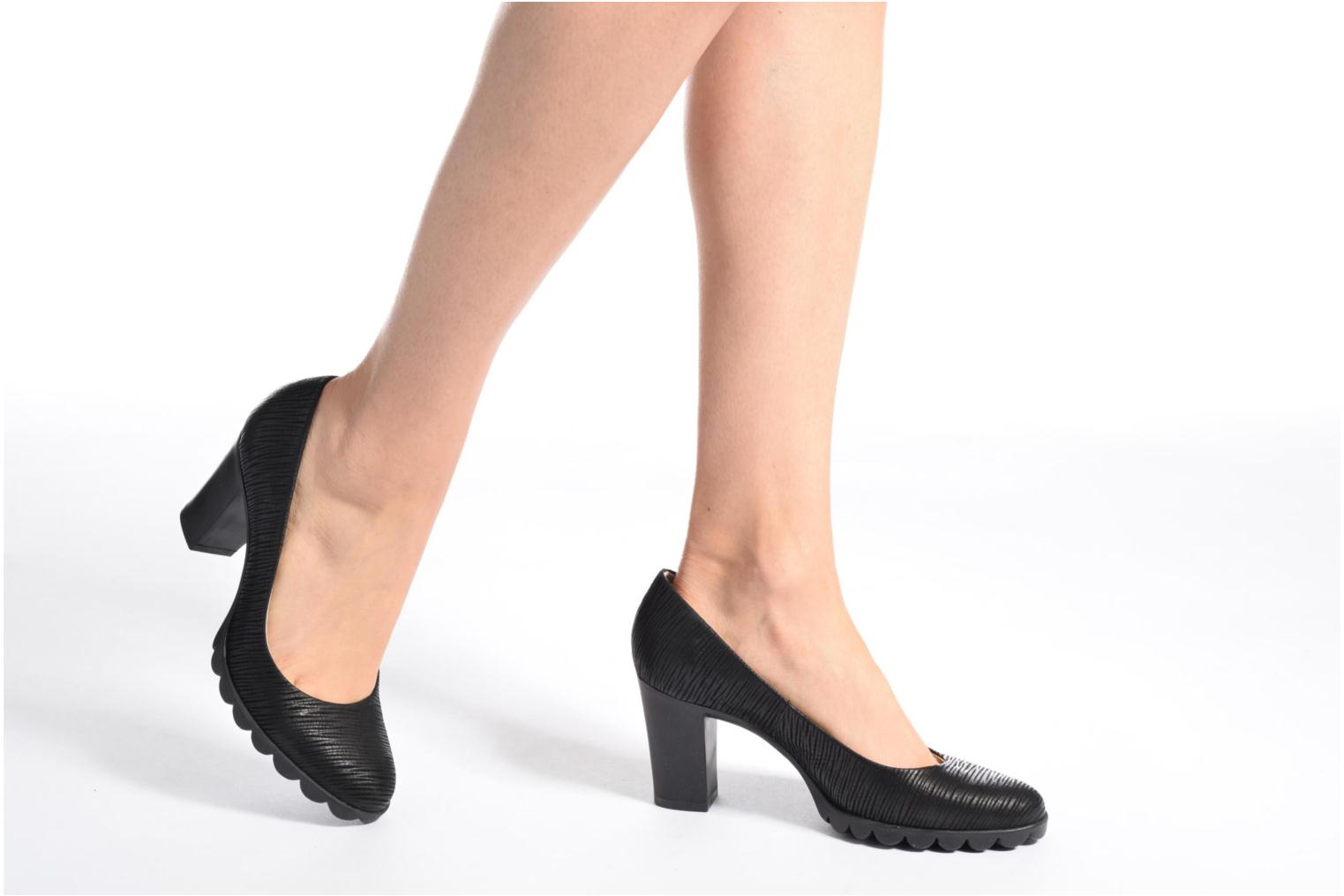 High heels The Flexx Diplo Matic Black view from underneath / model view