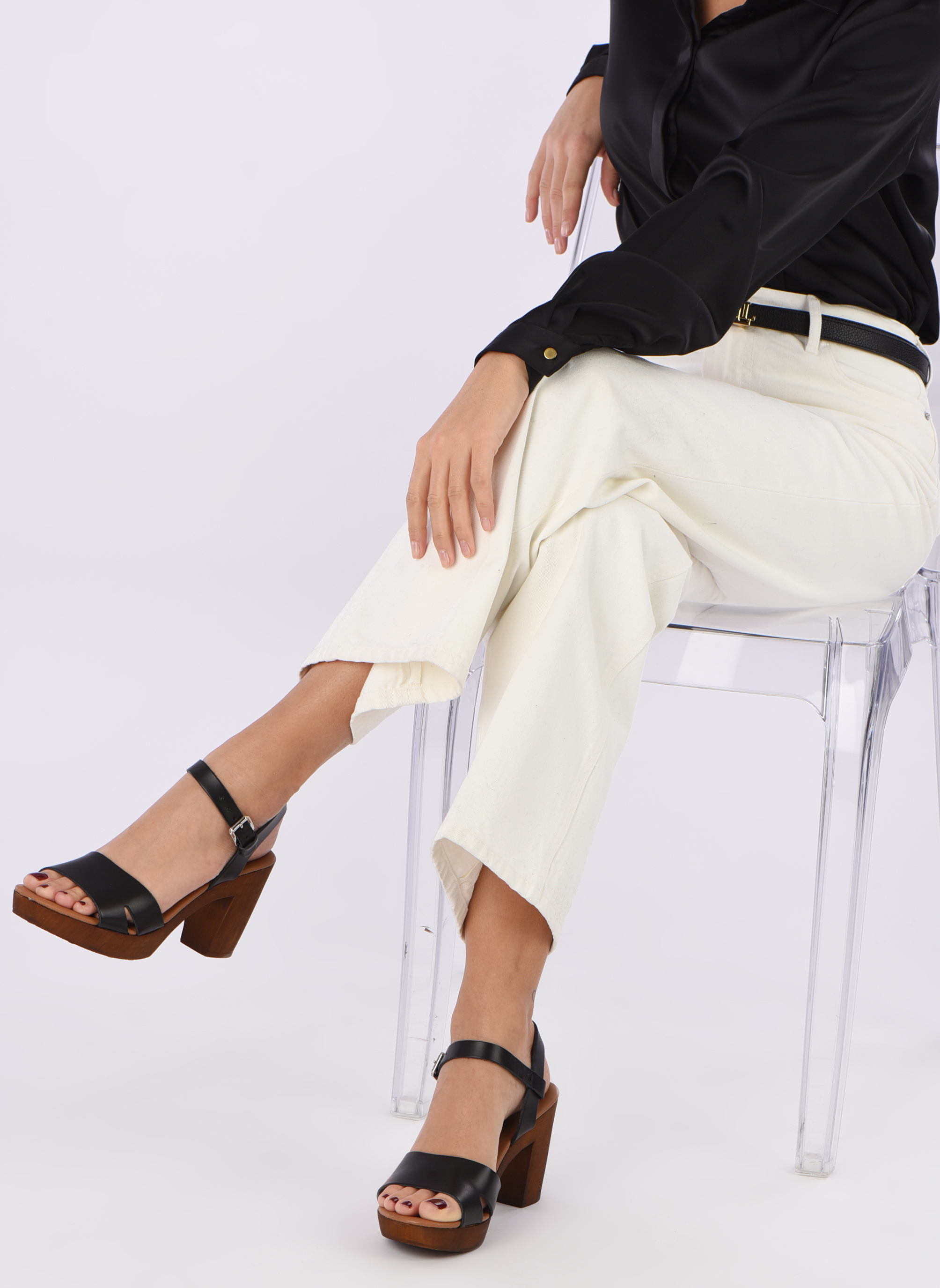 Sandals Georgia Rose Dobou Black view from underneath / model view