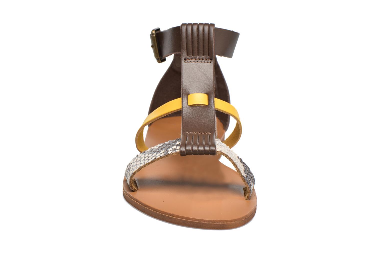 Sandali e scarpe aperte Georgia Rose Dolion Marrone modello indossato