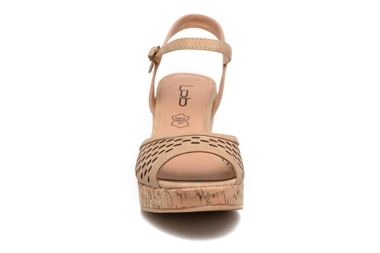 Sandals Les P'tites Bombes Etoile Beige model view
