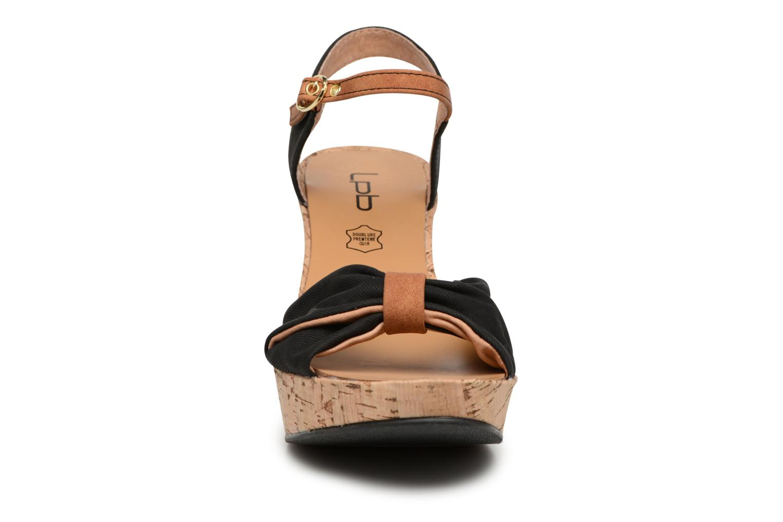 Sandales et nu-pieds Les P'tites Bombes Folk Noir vue portées chaussures