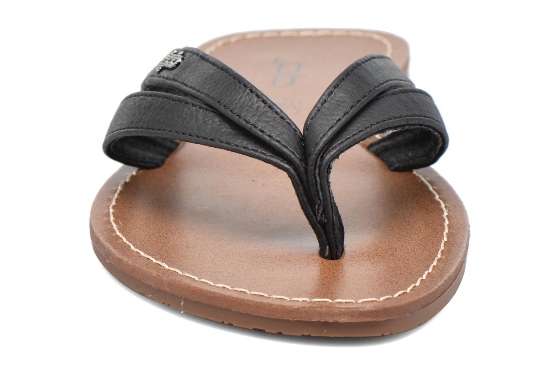 Zehensandalen Les P'tites Bombes Kalinda schwarz schuhe getragen