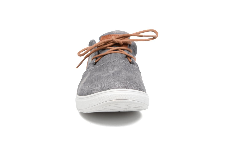 Sneaker MTNG Bambu 84553 grau schuhe getragen