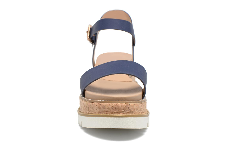 Sandali e scarpe aperte MTNG Virginia 50914 Azzurro modello indossato