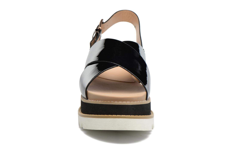 Sandales et nu-pieds MTNG Virginia 50915 Noir vue portées chaussures