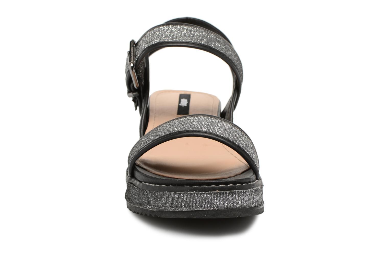 Sandales et nu-pieds MTNG Marguerita 50801 Noir vue portées chaussures