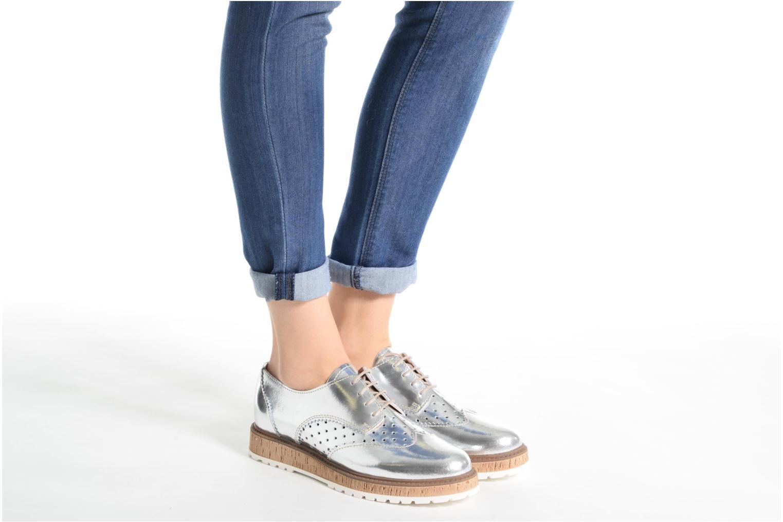 Chaussures à lacets Esprit Crissy Metal Lace up Argent vue bas / vue portée sac