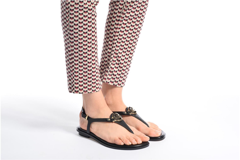 Sandales et nu-pieds Michael Michael Kors Lee Thong Marron vue bas / vue portée sac