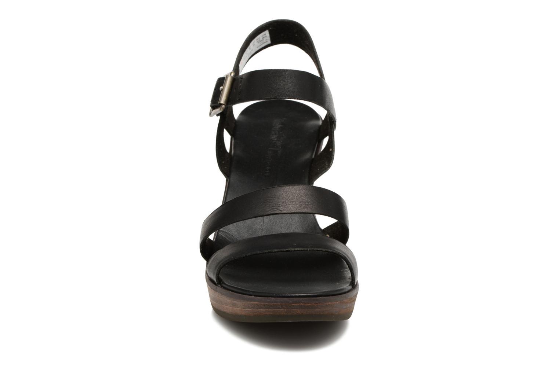 Sandalen Timberland Cassanna Y-Strap Sandal braun schuhe getragen