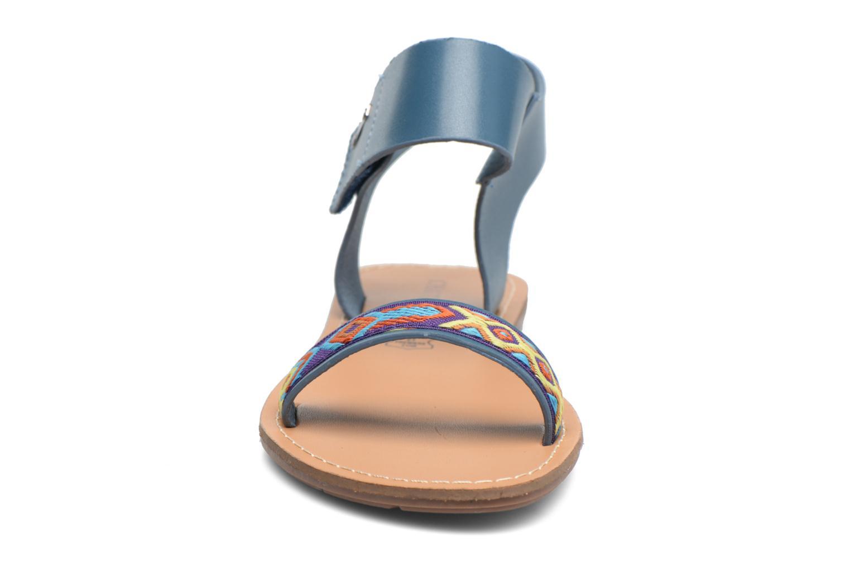 Sandales et nu-pieds Chattawak Louisiane Bleu vue portées chaussures