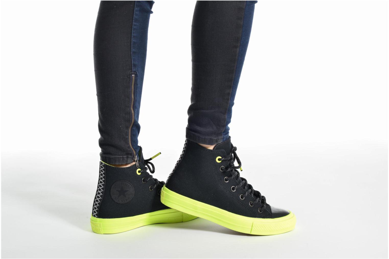 Sneaker Converse Chuck Taylor All Star II Hi Shield Lycra W blau ansicht von unten / tasche getragen